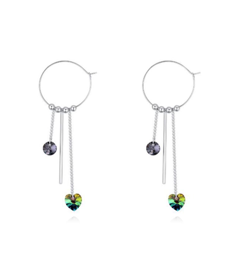 Rohekate kristallidega rõngakujulised kõrvarõngad