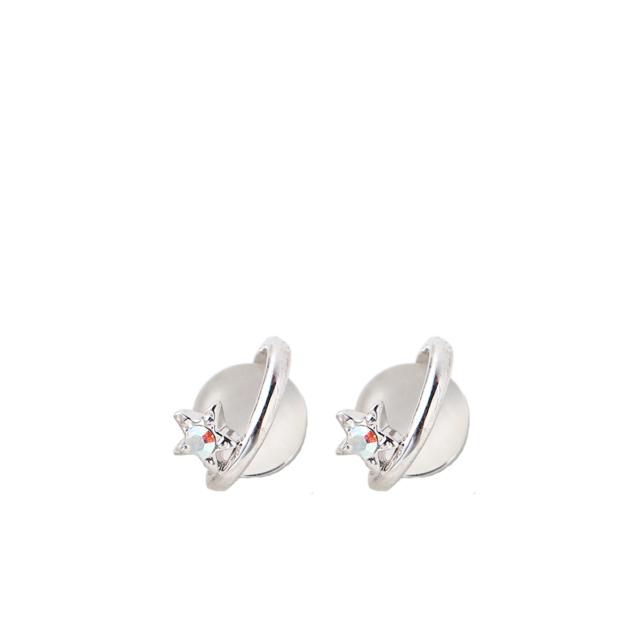 Valge opaaliga kõrvarõngad