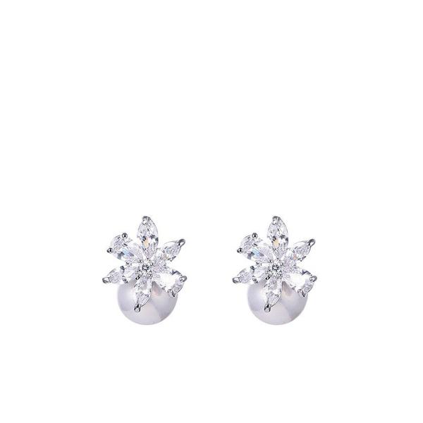 Pärli ja lillega kõrvarõngad