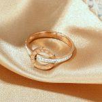 Tsirkoonirea, Rooma numbrite ja ringikujulise motiiviga sõrmus